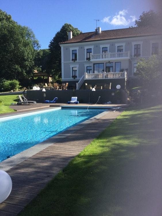 Belle piscine à Montreuil-sur-Mer