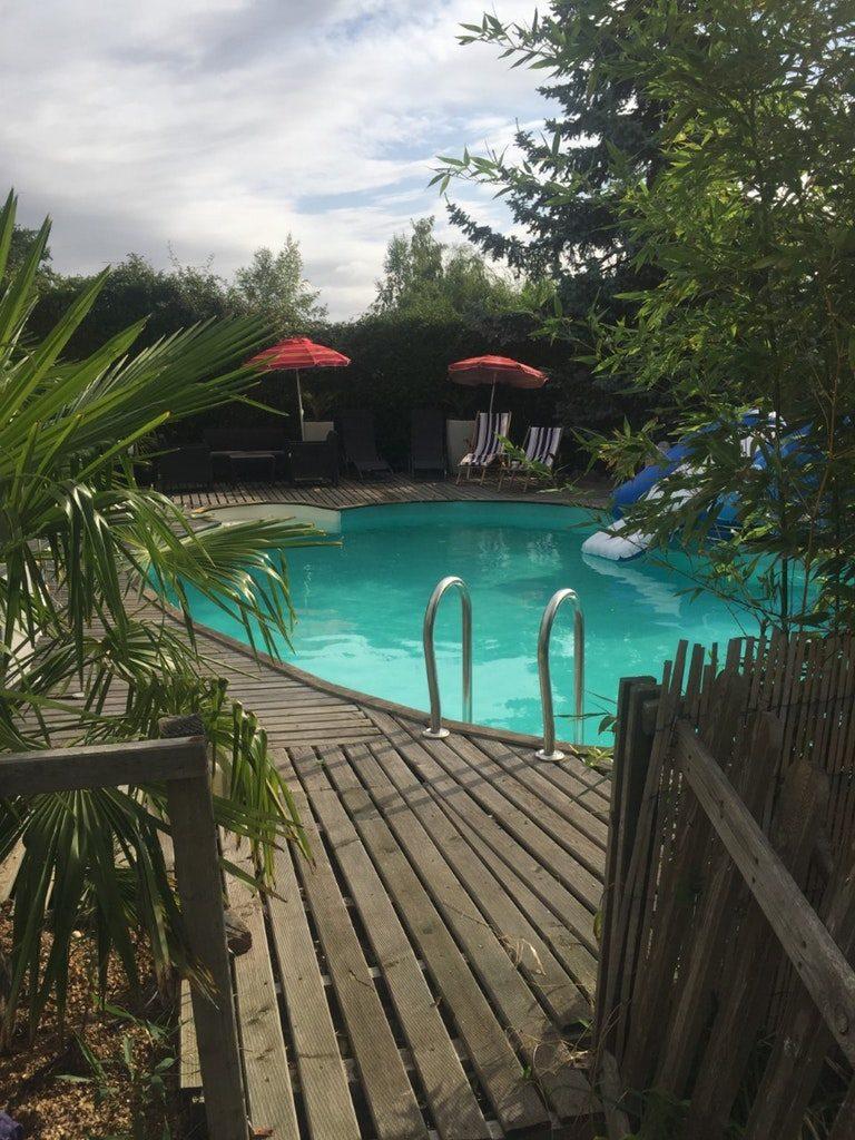 Belle piscine à Tosny