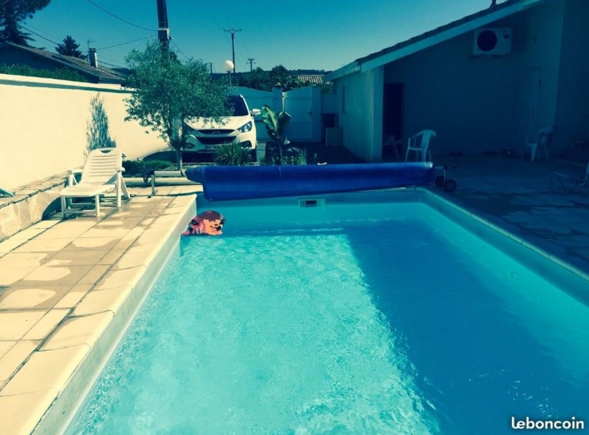 Belle piscine à Anneyron