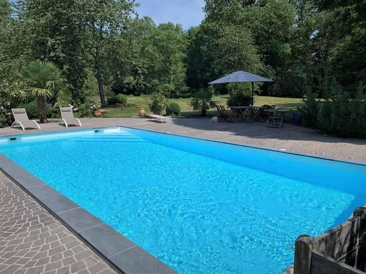 Délicieuse piscine à Flexanville