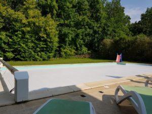 Belle piscine au Periguord vert