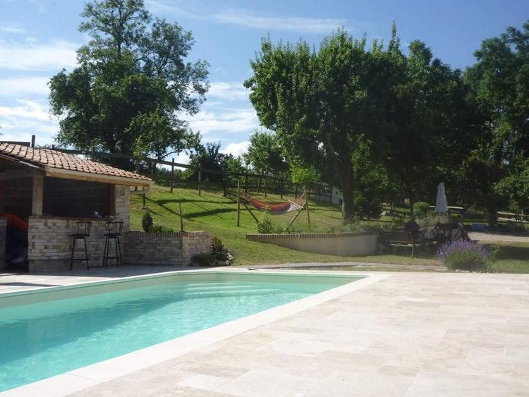 Belle piscine à Mouflières